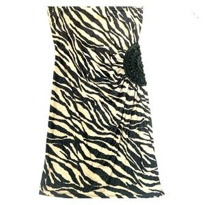 Strapless Animal 🐆 👗 with beaded see-thru side